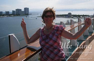 An Deck der Allure vor dem Auslaufen im Hafen von Fort Lauderdale