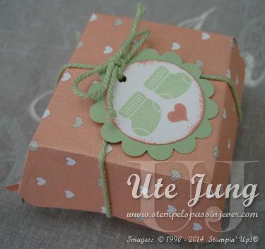 Hamburgerverpackung als Geschenkidee fürs Baby