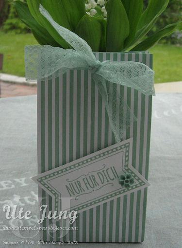 Tüte hergestellt mit dem Stanz- und Falzbrett für Geschenktüten