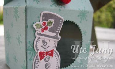 Weihnachtliche Leckereienbox mit Sichtfenster